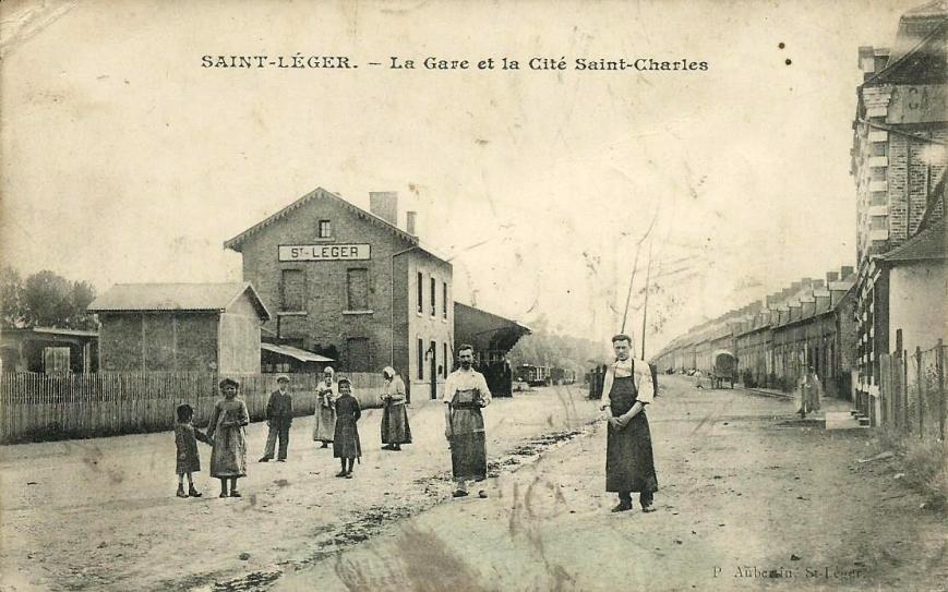CPA St-Léger-les-Domart Gare et Cité St-Charles