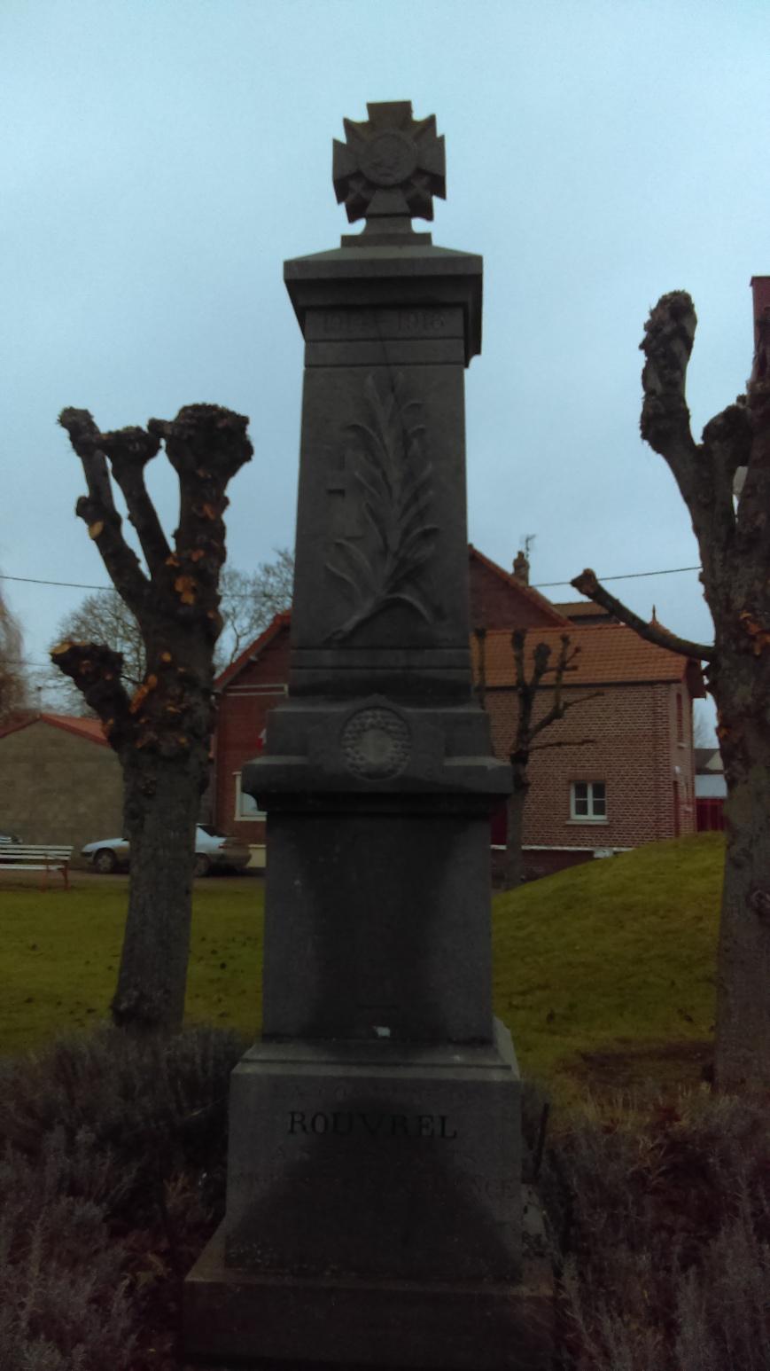 rouvrel monum cemetery (1)